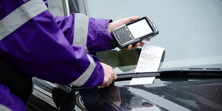 BON PLAN: Les 10 astuces pour éviter de payer vos amendes de stationnement!